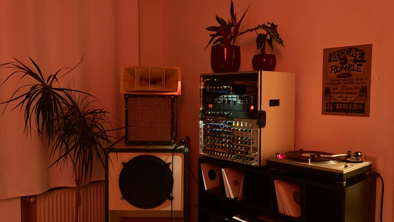 soundsystem and preamp in living room